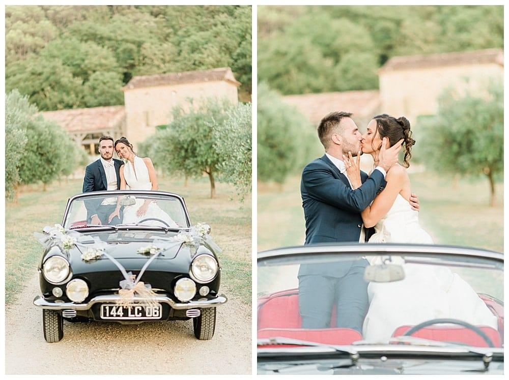 couple de mariés voiture
